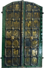 Russian master - Golden gates of the Cathedral of the Nativity in Suzdal
